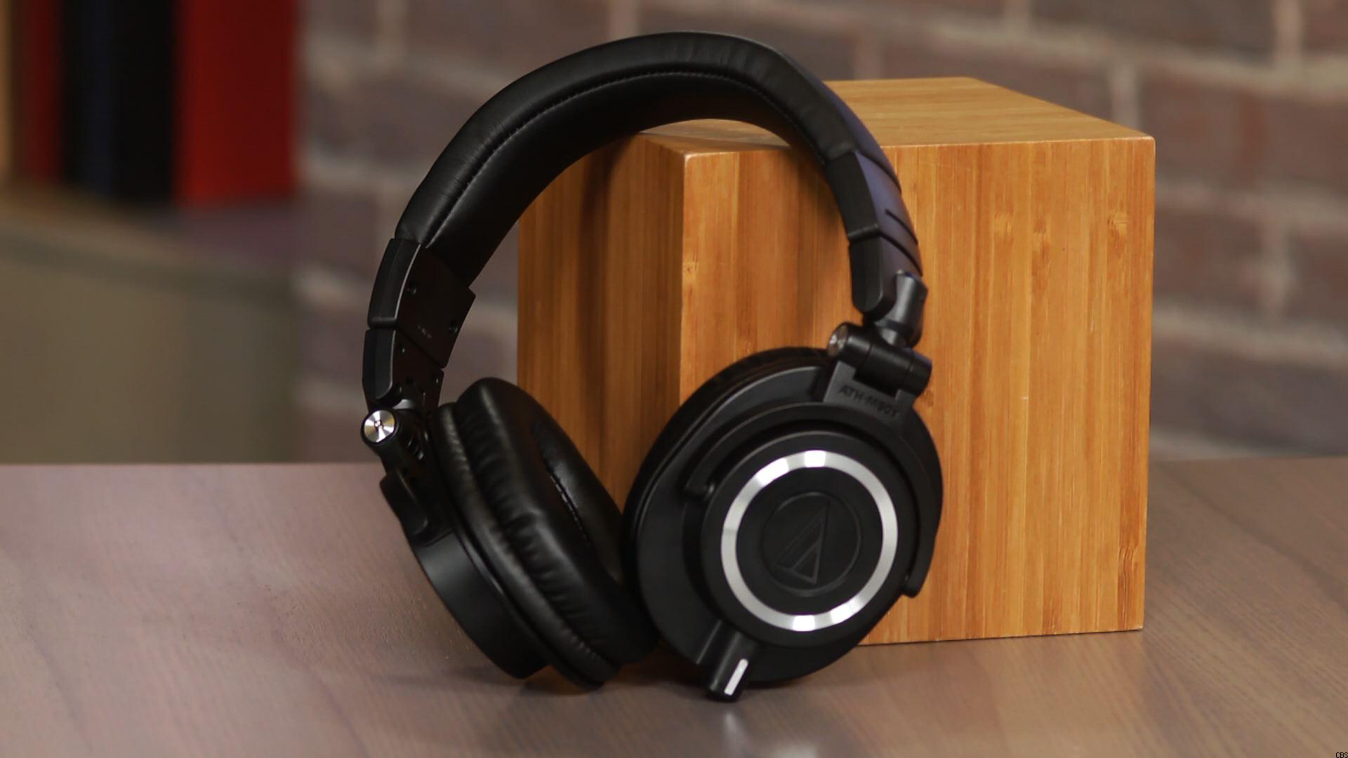 audio technica ath m50x review compsmag. Black Bedroom Furniture Sets. Home Design Ideas