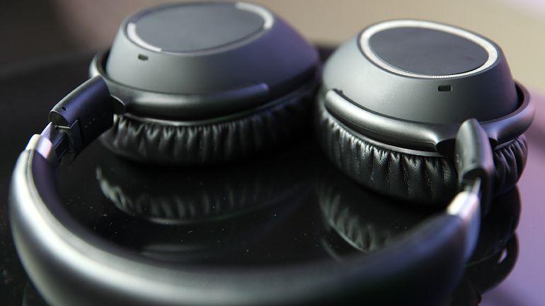 Sennheiser's PXC 550 wireless Headphone Review