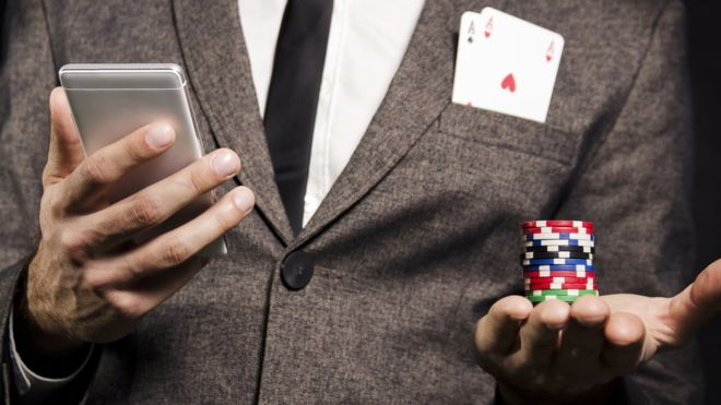 Apple Removes 25,000 'Gambling Apps'