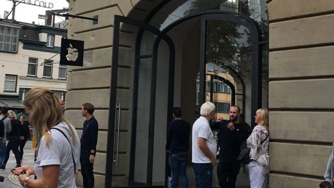 Apple's Amsterdam Store Evacuated
