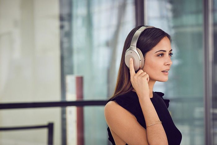 Best Noise-Cancelling Headphones For Christmas 2018