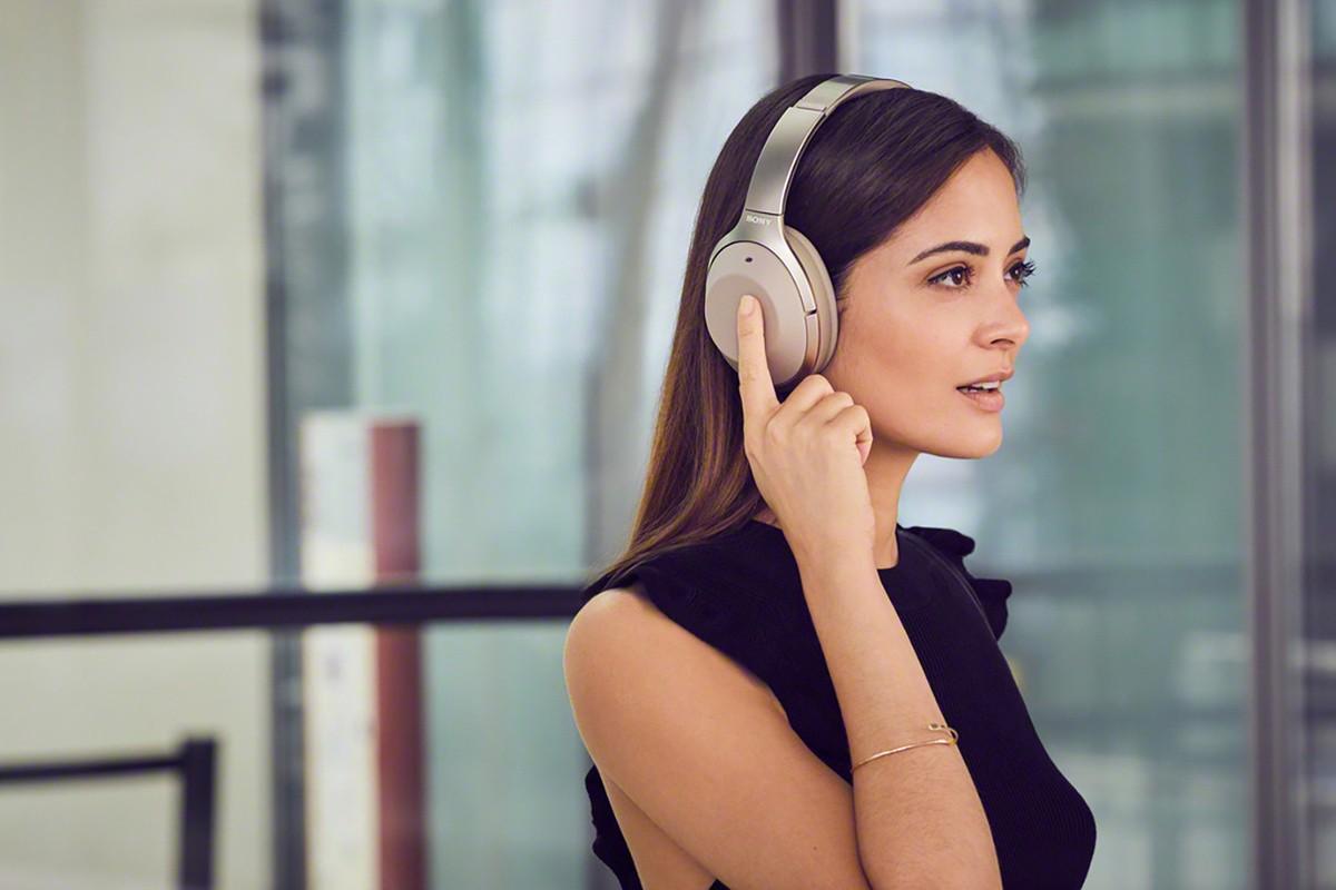 Top 10 Best Bluetooth Headphones Under $100