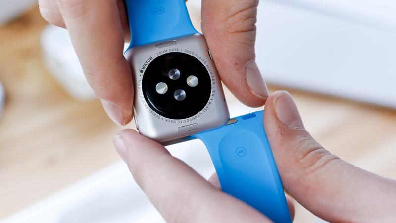 How to set up a new Apple Watch: How to change the strap