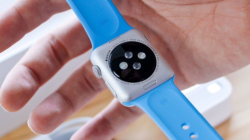 How to spot a fake Apple Watch at the Bottom