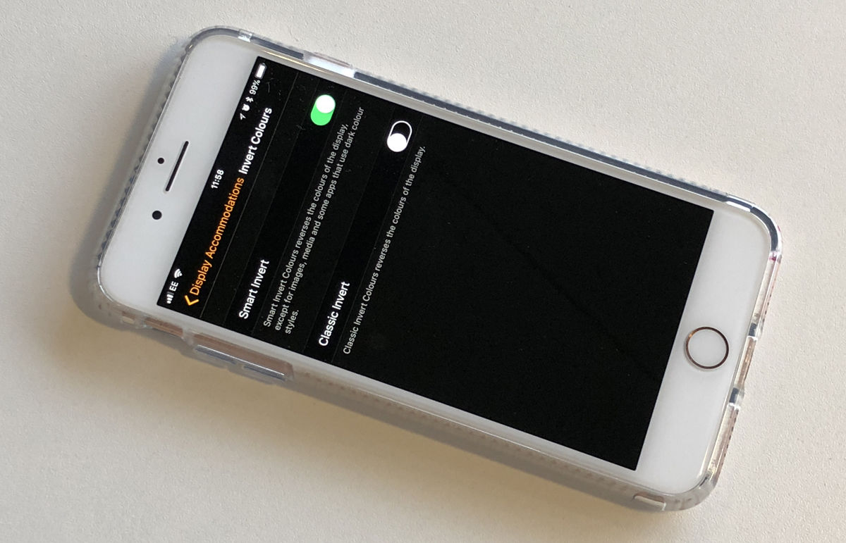 How to use dark mode on iPhone: invert colors