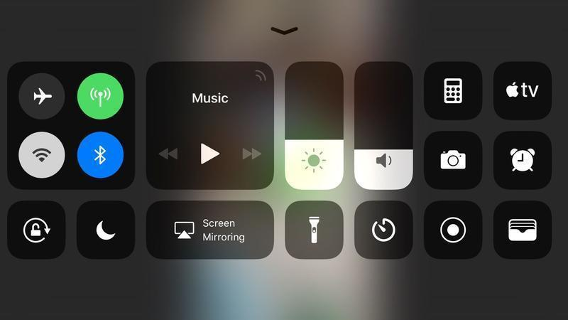 How to connect an iPad or iPhone to a TV