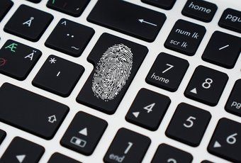 Difference between PIN and password 8