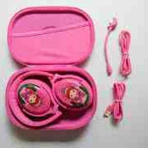 Review of the BuddyPhones Cosmos Plus, a full-featured set of travel headphones for kids