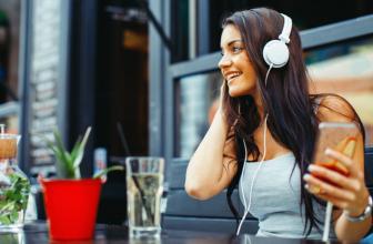 Top 10 Best Headphones For EDM